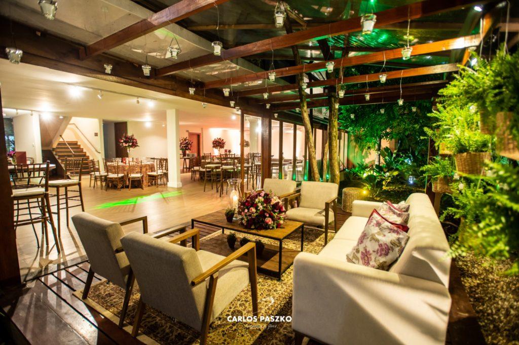 Os benefícios de uma festa em um espaço contemporâneo